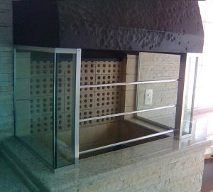 Churrasqueira em vidro por Marcos Nunes Vidros