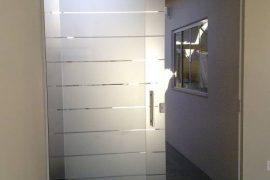 Porta jateada listras por Marcos Nunes Vidros